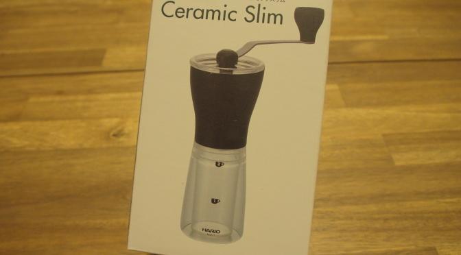 Im Test: Die Ceramic Slim Hand-Kaffeemühle von Hario