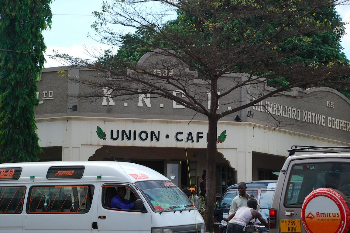 Union Cafe Strassenansicht Moshi