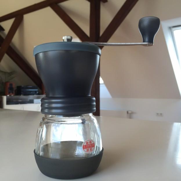Gesamtansicht Hario Kaffeemühle Skerton Amazon