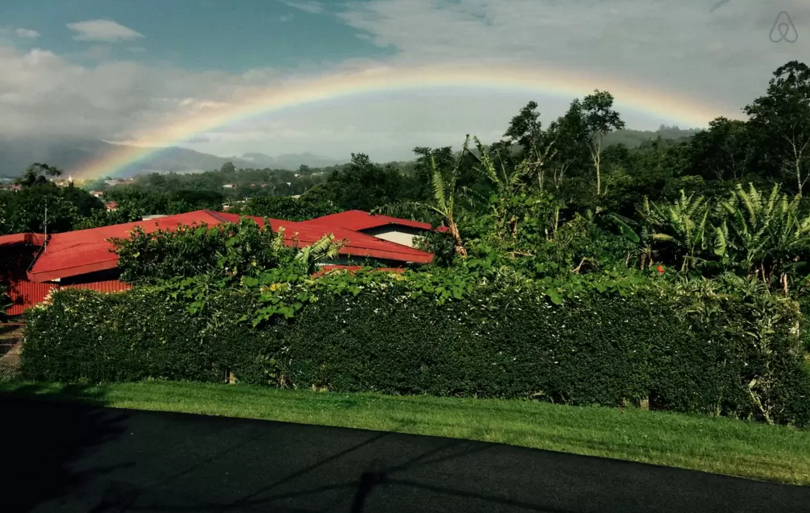Airbnb Kaffee Costa Rica Regenbogen