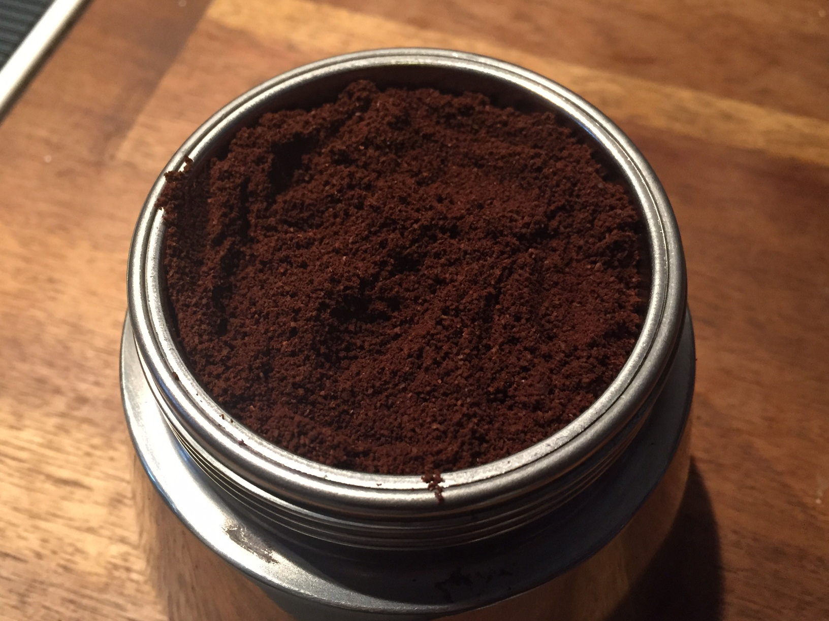 Eingesetzes Kaffeemehl in Bialetti Venus