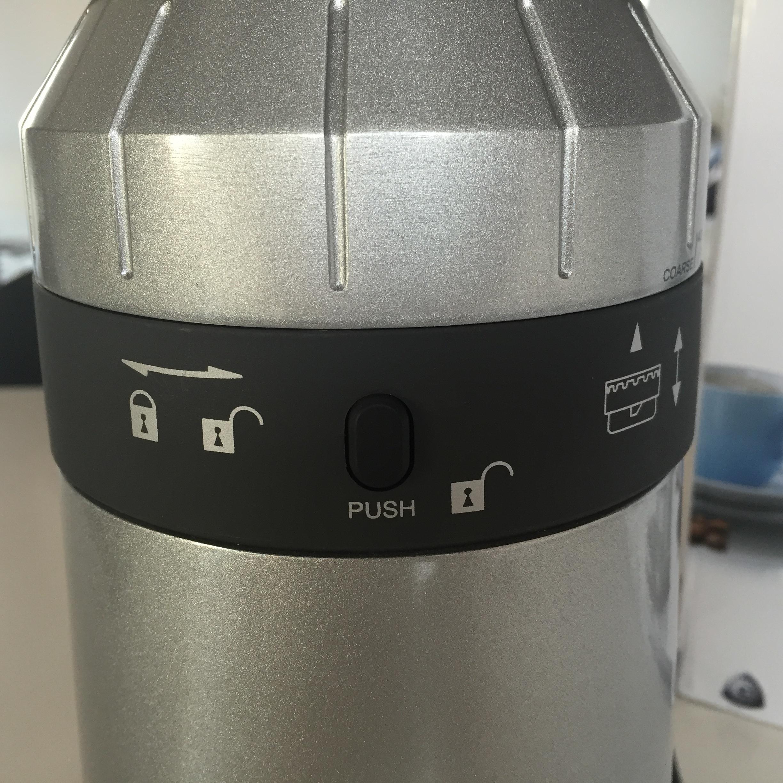 Graef CM 800 Kaffeemühle öffnen zur Reinigung