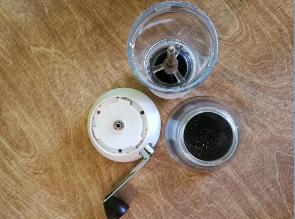 Handground Kaffeemühle zerlegt