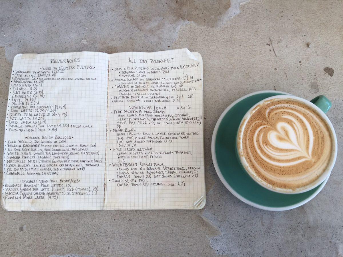 Wie Tassen und Farben den Geschmack von Kaffee formen